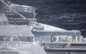 寒冷地航海